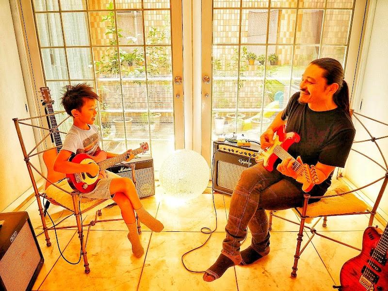 ザ・マーヴェラスサン&サンミュージックギタースクール国立