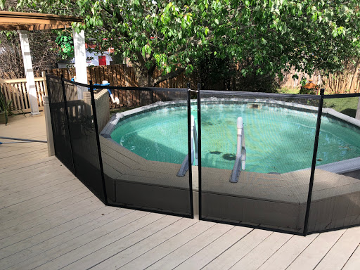 Piscine Clôture de piscine amovible Pool Guard à Lavaltrie (Quebec) | CanaGuide