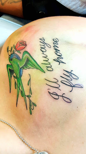 Tattoo Shop «A Toda Madre Tattoos», reviews and photos, 1465 S Wells ...