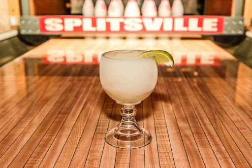 Bar & Grill «Howl at the Moon | Splitsville Luxury Lanes», reviews and photos, 220 Patriot Pl, Foxborough, MA 02035, USA