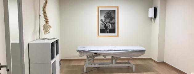 imagen de masajista Ilium Gavà. Osteopatia i fisioterapia