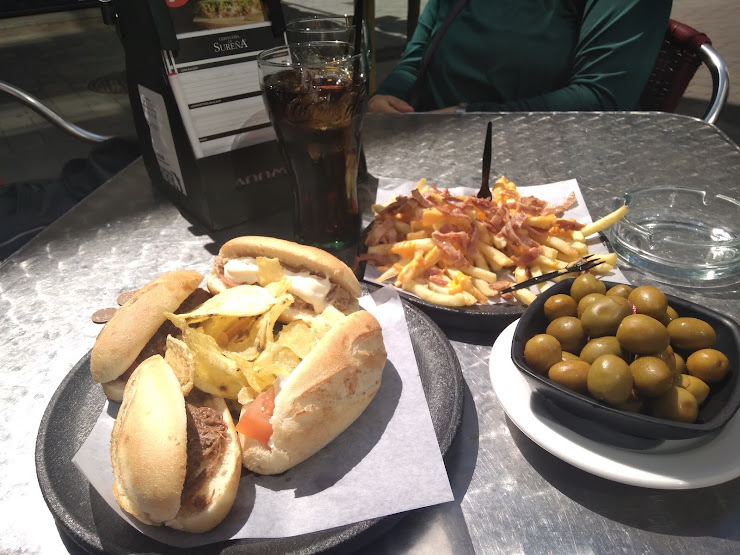 100 MONTADITOS Calle del Museo, 10, 08401 Granollers, Barcelona