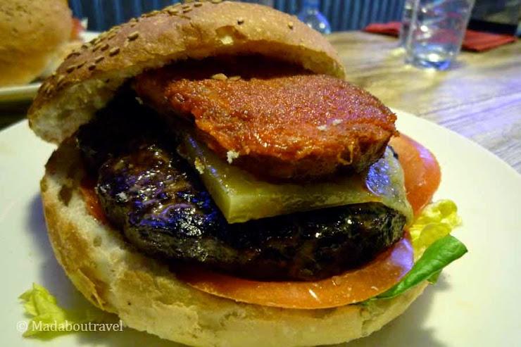 Sherryburger & bar C/ del camp, 8, 25580 Esterri d'Àneu, Lleida