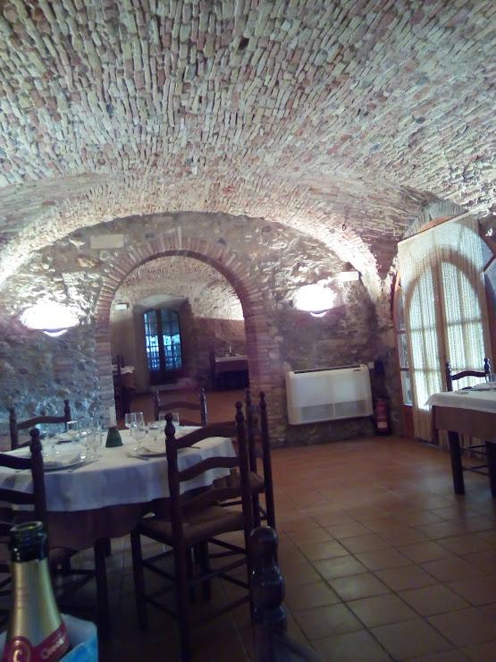 restaurante LES QUADRES Carrer de Baix, 2, 17469 El Far d'Empordà, Girona