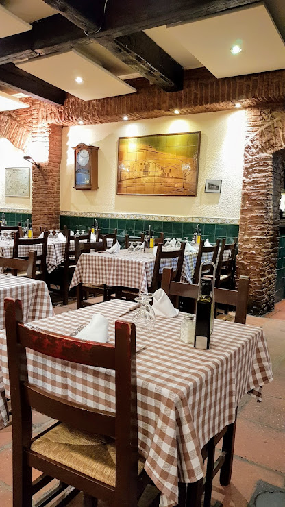 Taverna El Glop Carrer de Sant Lluís, 24, 08012 Barcelona