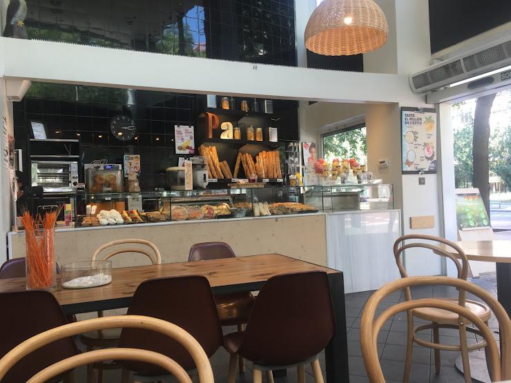 365 Cafeteria Carrer de Tarragona, 161, 08014 Barcelona