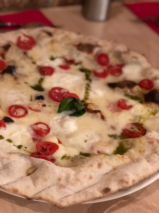 Solo Pizza (pizzeria romana) Carrer d'Enric Granados, 108, 08008 Barcelona