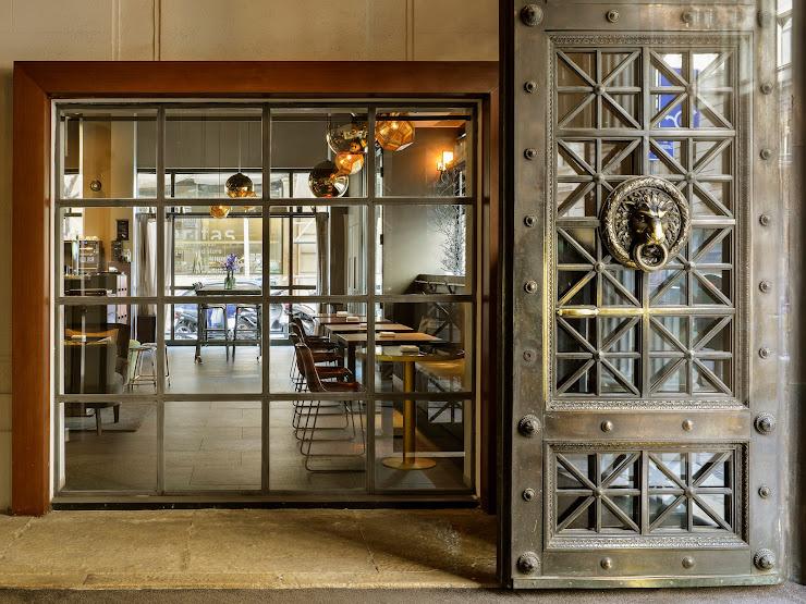 City Bar & Restaurant Via Laietana, 30, 08003 Barcelona