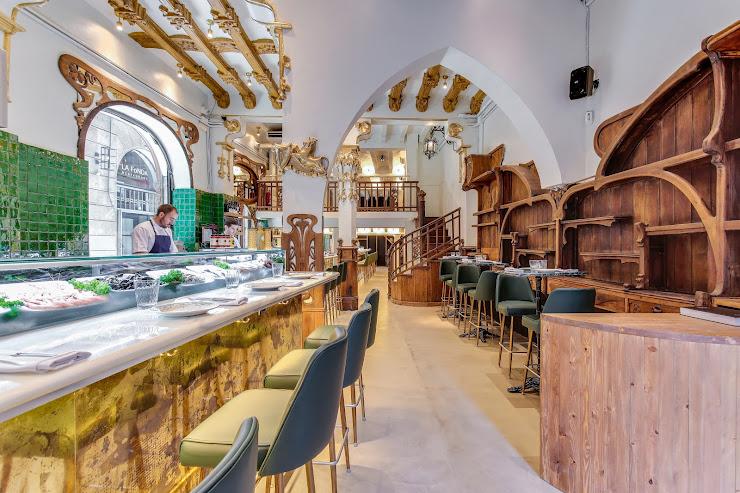 Grill Room Bar Thonet Carrer dels Escudellers, 8, 08002 Barcelona