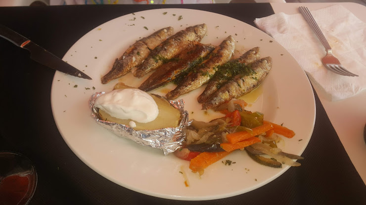 Bar Restaurante Monika Passeig Marítim de Sant Joan de Déu, 263, 43882 Segur de Calafell, Tarragona