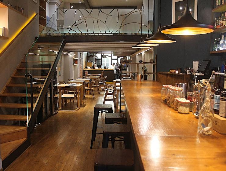 Crudo Bar Barcelona Gran Via de les Corts Catalanes, 654, 08010 Barcelona