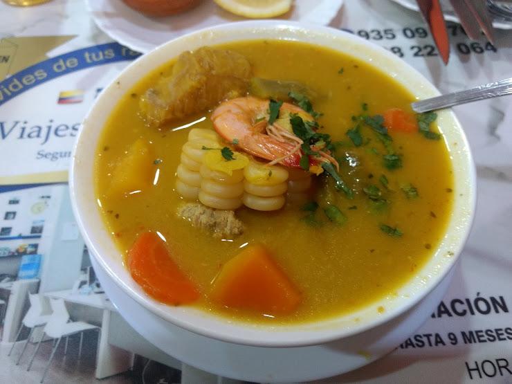 Restaurante ecuatoriano El Campeón Chonero Carrer de Llevant, 56, 08905 L'Hospitalet de Llobregat, Barcelona