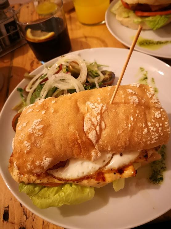 Babol Burger Ctra. Antiga de Mataró, 14, 08005 Barcelona