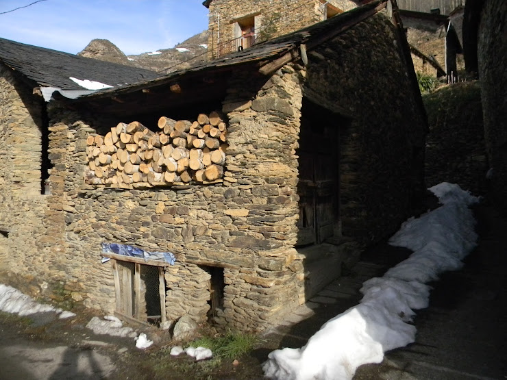 Cal Domenec Apartamento en los Pirineos Carrer Unica Burg, 2, 25595 Farrera, Lleida