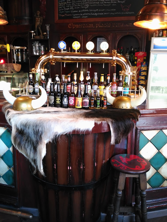 Taverna Vikinga Avinguda de l'Abat Marcet, 317, 08225 Terrassa, Barcelona