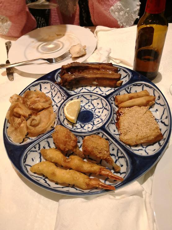 Restaurante Chino Shanghai Passatge Camp dels Rolls, 15, 08720 Vilafranca del Penedès, Barcelona