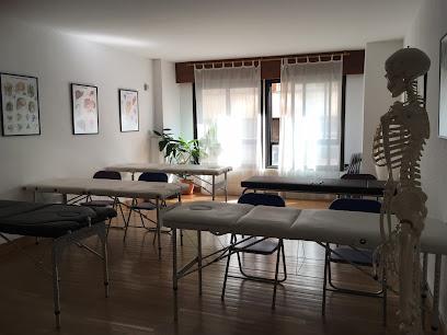 imagen de masajista Instituto Kiros Zamora