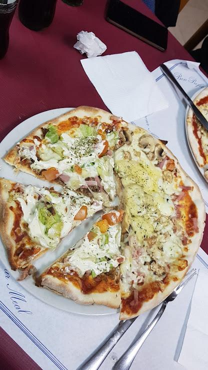 Pizzería Punt de Trobada Carrer Garbí, 54, 08397 Pineda de Mar, Barcelona