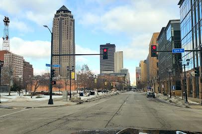Iowa | Downtown City Street View