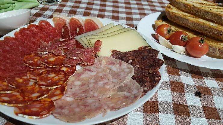 Restaurant Mas Vell Carrer de Sant Roc, 9, 17310 Lloret de Mar, Girona