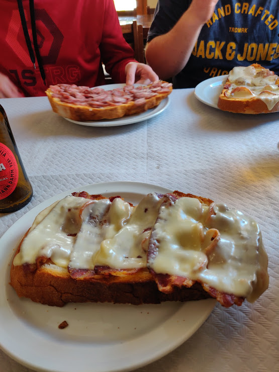 Restaurante La Carretera N-260, Km 138, 17535 Planoles, Girona