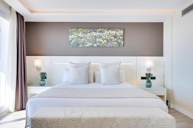 Hotel Calipolis - Hotel en Sitges Av. Sofia, 2-6, 08870 Sitges, Barcelona