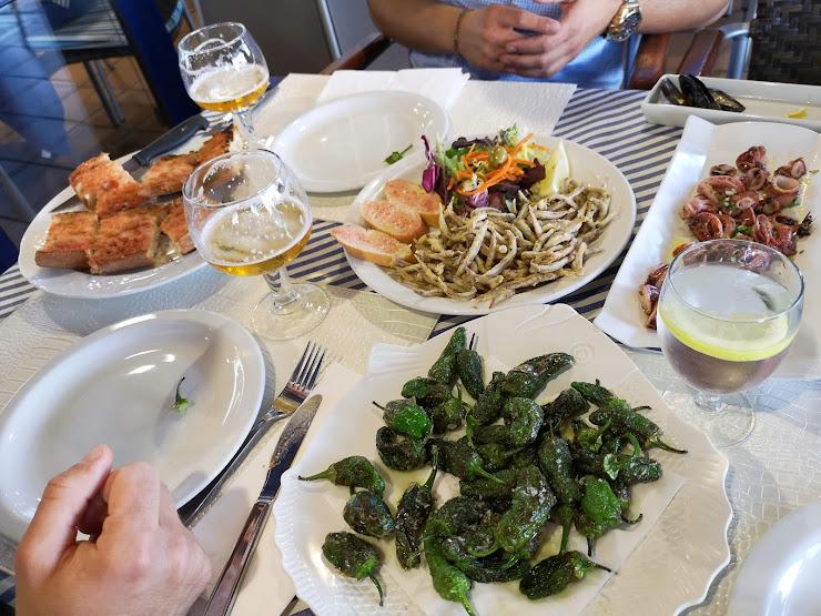 Restaurant Palamós Petit Bar Platja de Palamós, s/n, 17230 Palamós, Girona
