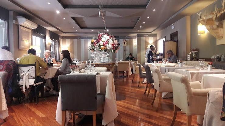 Restaurant Divicnus Carrer de Sant Miquel dels Sants, 1, 08500 Vic, Barcelona