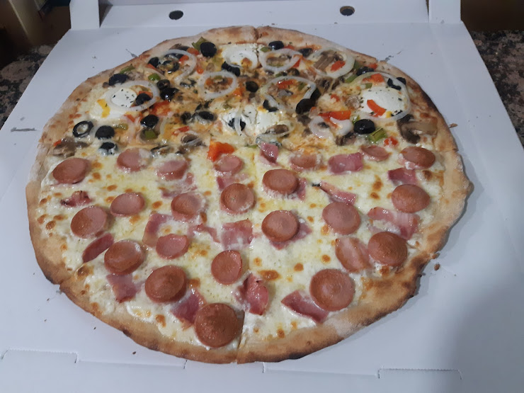 Pizzería la Font del Blat Carrer de la Font d'en Canyelles, 68, 08042 Barcelona