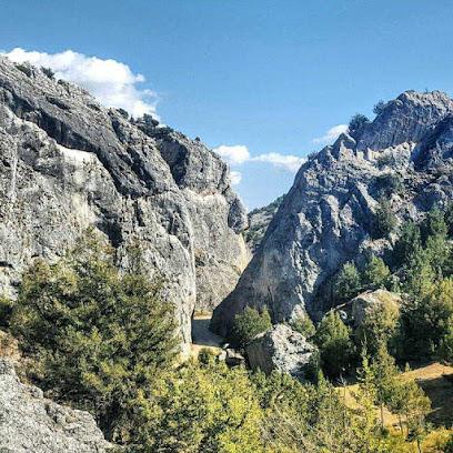 Cuevas De La Hoz