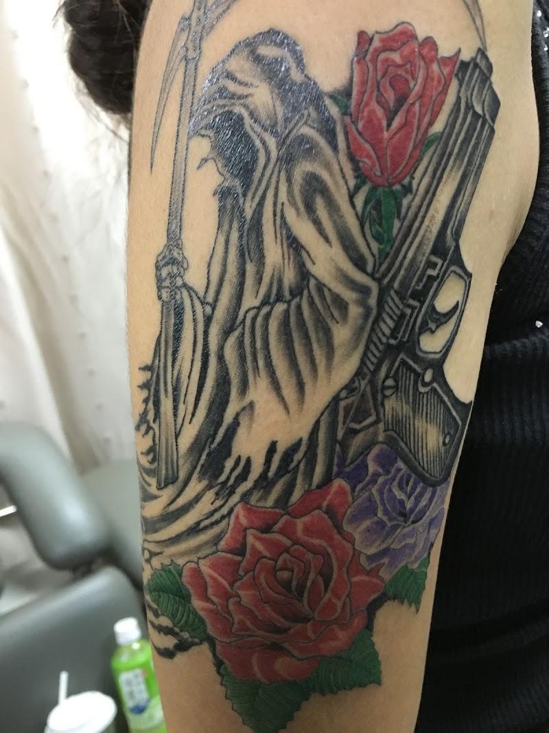 Tattoo Studio DEN