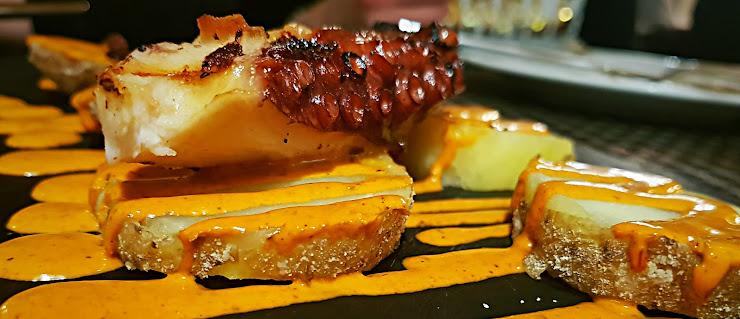 Restaurant 23 Carrer Sant Pere, 23, 08201 Sabadell, Barcelona