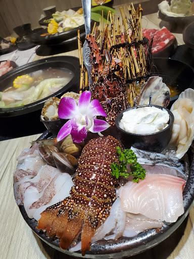 嗑肉石鍋(豐原店)