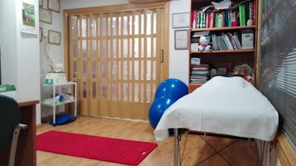 imagen de masajista Centro de Fisioterapia Elena Angulo Bailón