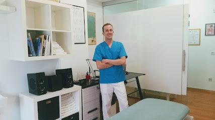 imagen de masajista Burgosteopatía I Diego M. López