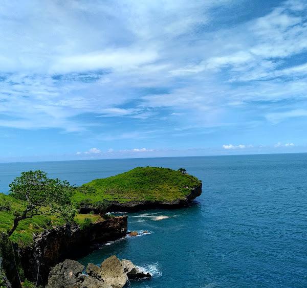 Wisata Tanjung Kesirat