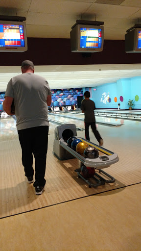 Bowling Alley «Lazy Loon Lanes», reviews and photos, 305 E Wilson St, Norwood Young America, MN 55368, USA