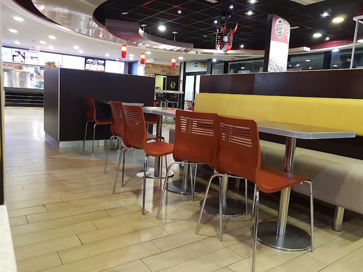 Burger King Cabrera Barcelona Parcela B-2, Polígono B, Sector Santa Margarida, Carretera N-II, km. 643,150, 08349 Cabrera de Mar, Barcelona
