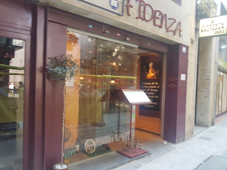 Pizzeria-Trattoria Fidenza Carrer Gran de Sant Andreu, 154, 08030 Barcelona