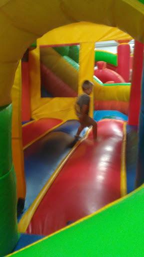 Amusement Center «The Jump House», reviews and photos, 29010 US-27, Dundee, FL 33838, USA
