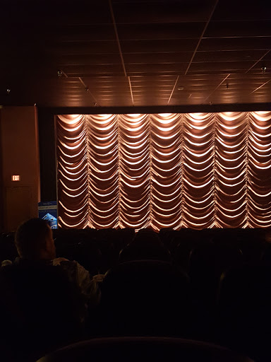 Movie Theater «Fridley Theatres Cinema 5», reviews and photos, 251 N Main Ave #106, Sioux Center, IA 51250, USA