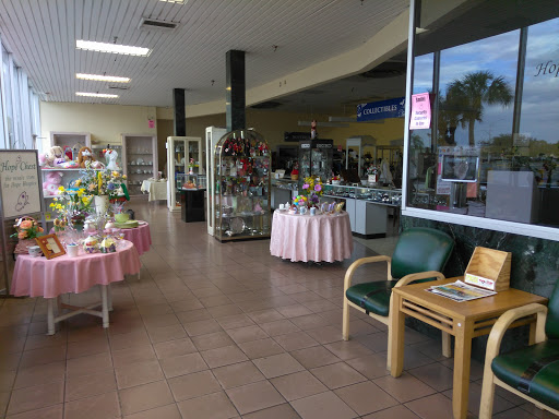 Hope Chest Resale Store, 13821 N Cleveland Ave, North Fort Myers, FL 33903, Thrift Store