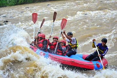 The Pikas Artventure Resort (Wisata Arung Jeram Sungai Serayu)