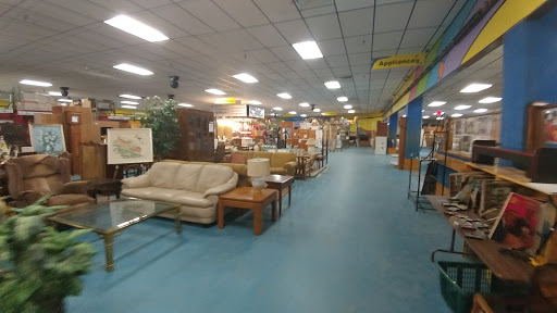 Southeast NH Habitat For Humanity ReStore, 29 Fox Run Rd, Newington, NH 03801, Social Services Organization