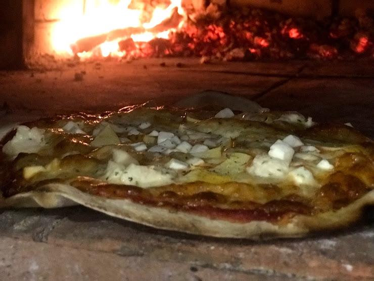 Xavi's pizzeria GI-623, Km 16, 5, 17137 Viladamat, Girona