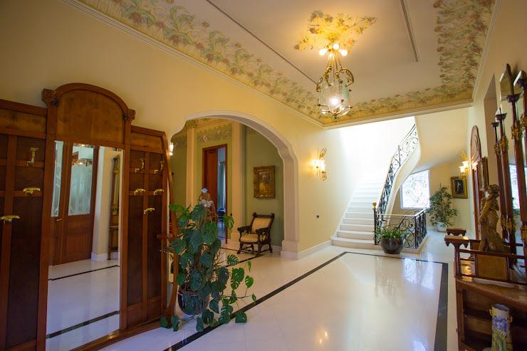 Edelweiss: Hotel, Restaurante y Eventos Carrer Rosselló d'Amunt, 9, 08530 La Garriga, Barcelona