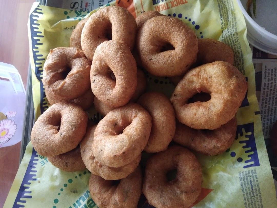 Aaswad Snacks and Poli Bhaji Kendra
