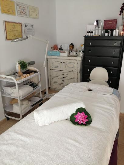 imagen de masajista Alima Masajes y Terapias