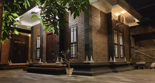 Lotus II Guest House