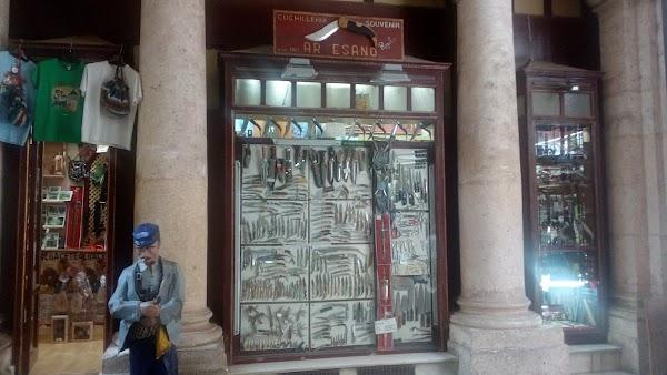 El Artesano, navajas, recuerdos, souvenirs
